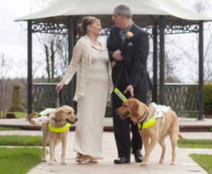 guide_dogs_blind_couple_marry-300x247